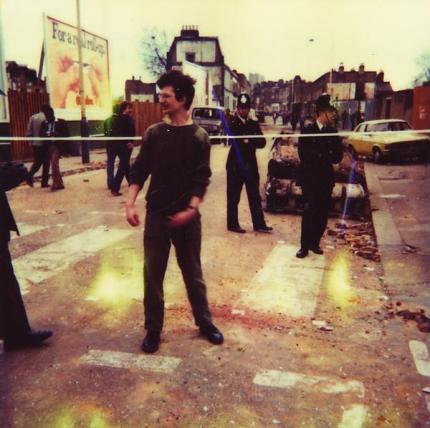 02-nigel-ayers-brixton-riots-london-1980-photo-by-caroline-k